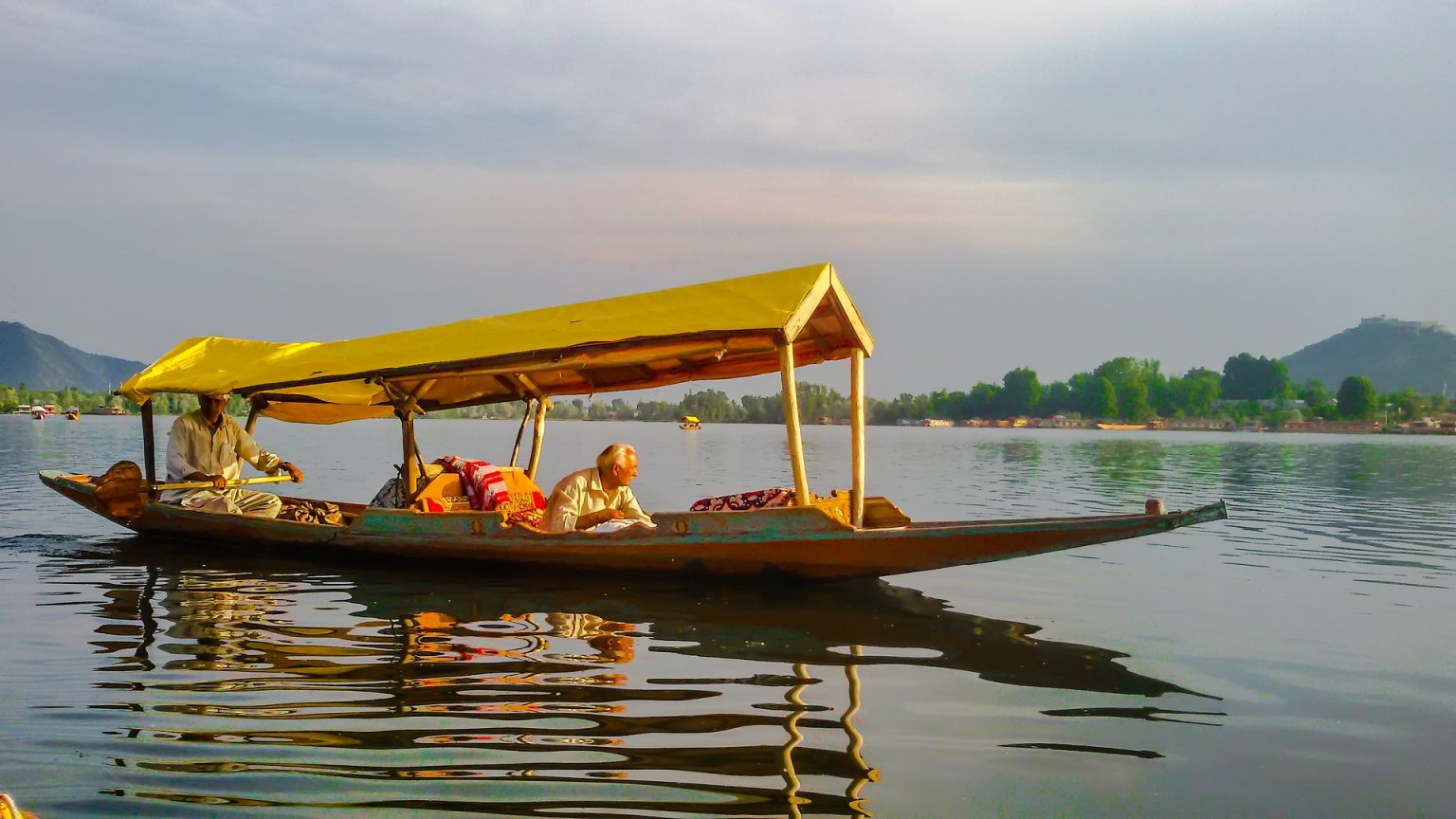 Dal lake booking open in summer